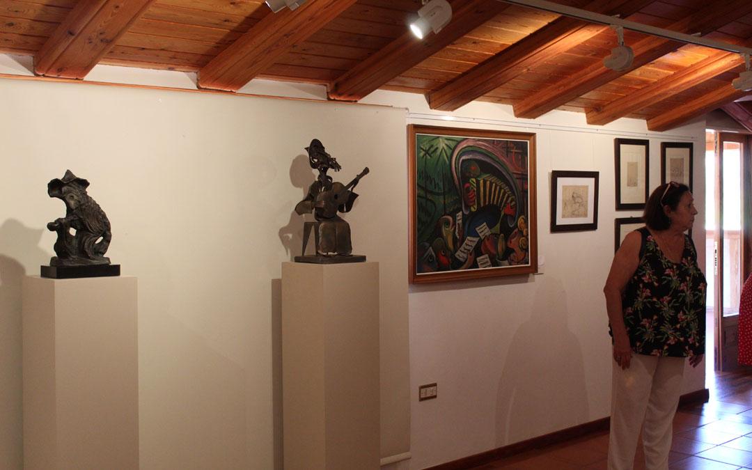Cuadros y dibujos de Eleuterio Blasco Ferrer en el museo de Molinos. / B. Severino