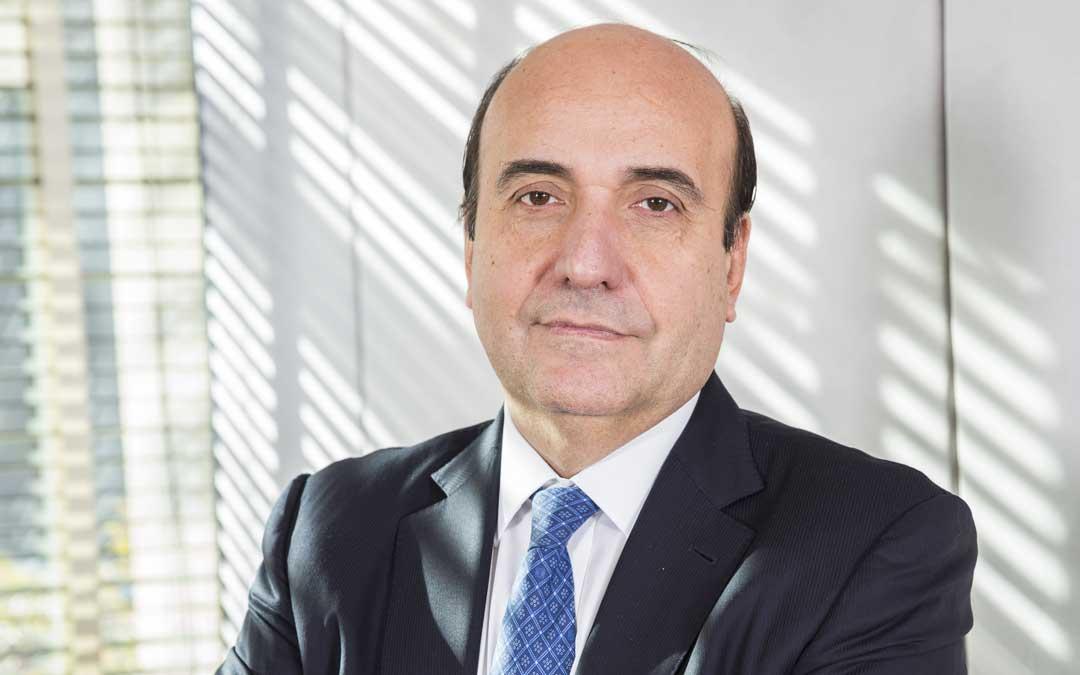 Rafael Mateo nació en Alcañiz en 1959