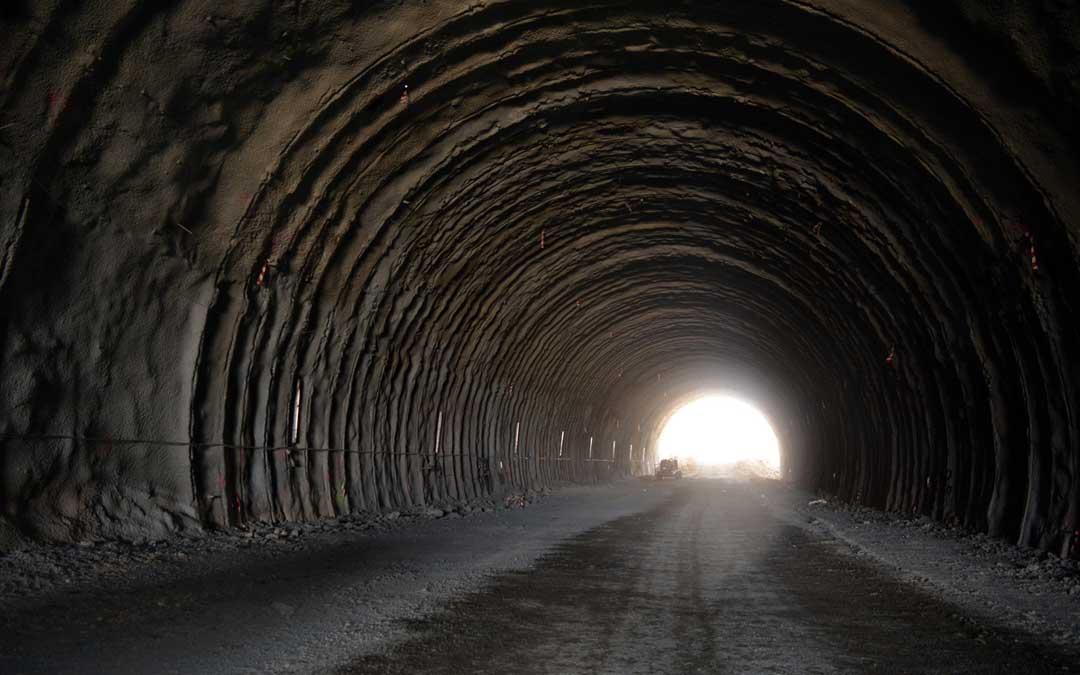 Imagen del tunel que se construye en el tramo que va desde el Puente de la Bota hasta la Masía de la Torreta