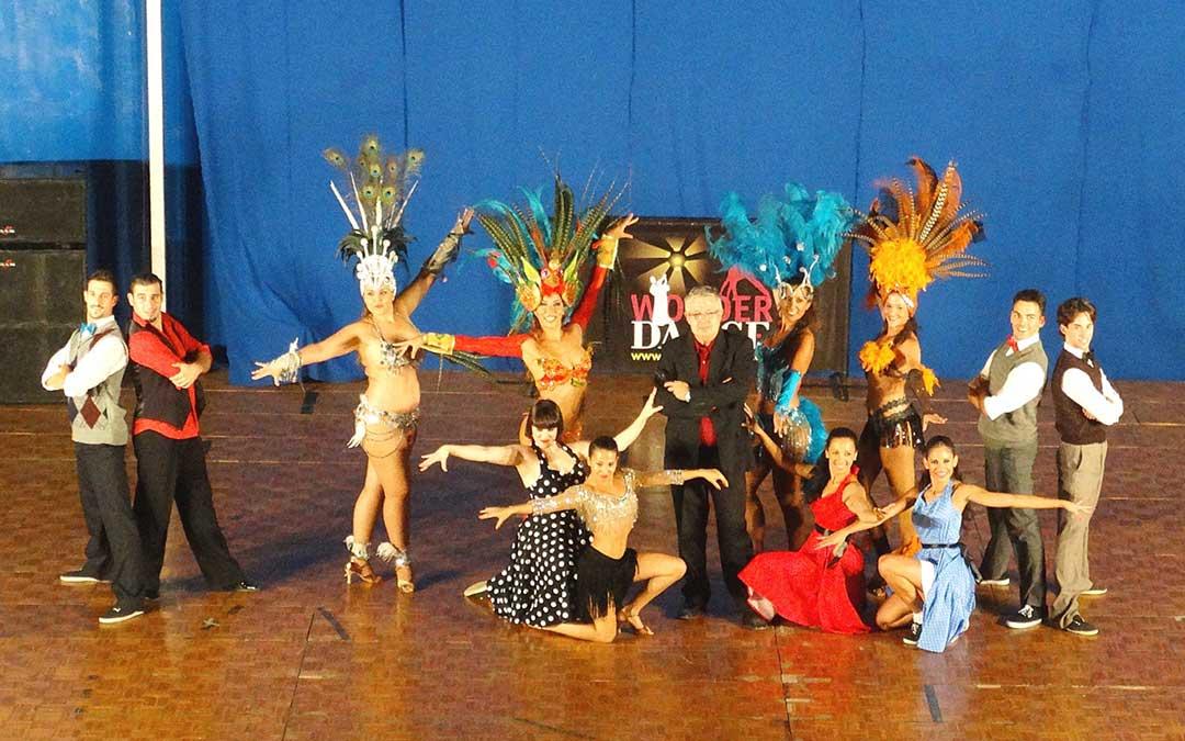 'Wonder Dance' será el grupo encargado de amenizar la noche del 17 de agosto en Utrillas. /Ayto. Utrillas
