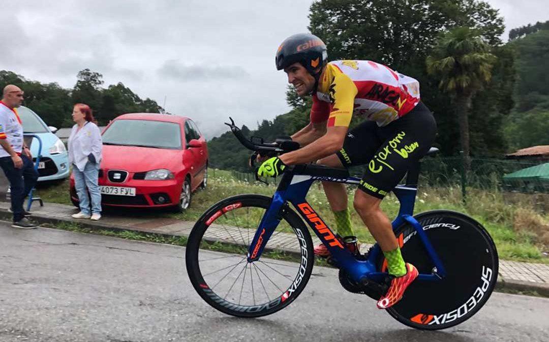 Iván Romero, medalla de plata en el nacional de ciclismo
