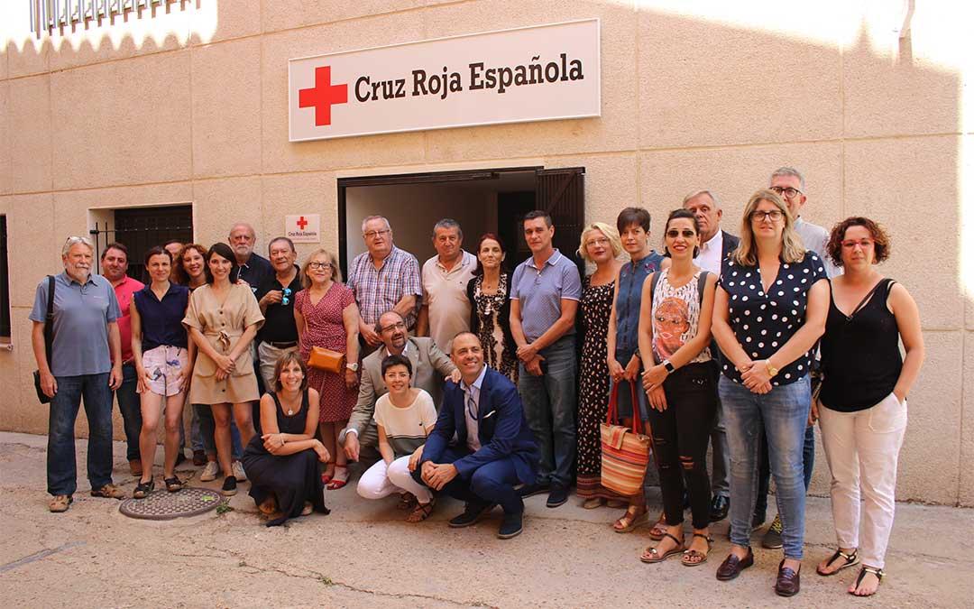 Una veintena de representantes asisten a la inauguración de las ocho estancias de la sede de Cruz Roja en Alcañiz