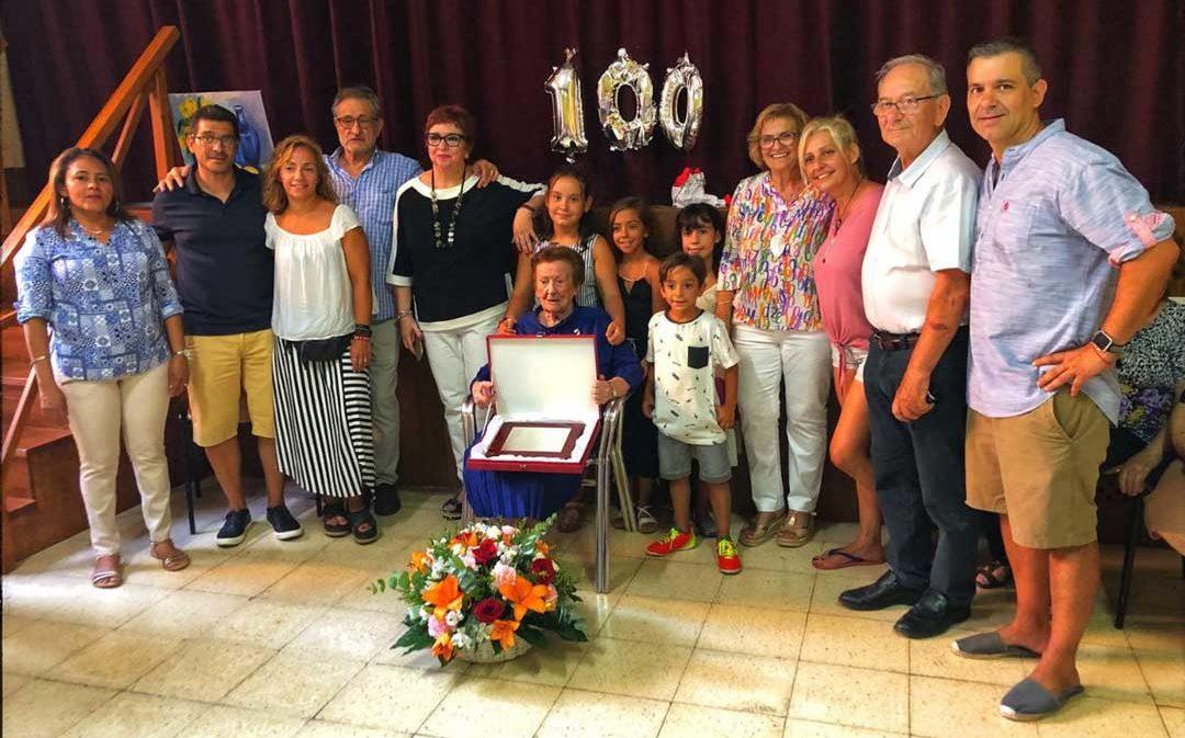 La tía Elvira Centelles, de Beceite, cumple 100 años