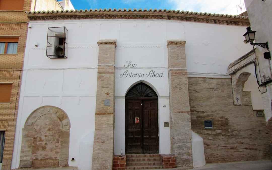 Imagen de la fachada de la iglesia de Híjar.