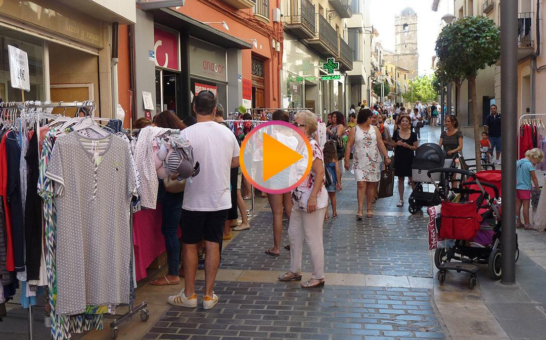 Variedad de ofertas en el mercadillo de saldos de Alcañiz