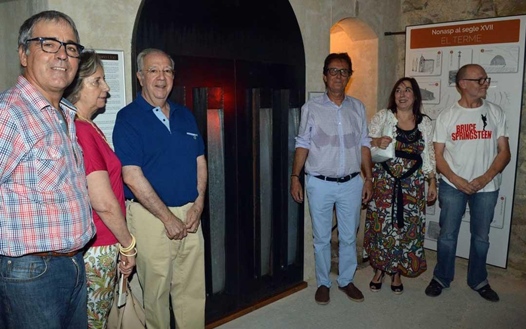 Algunos de los invitados en al inauguración de la segunda fase de recuperación de la cárcel de Nonaspe
