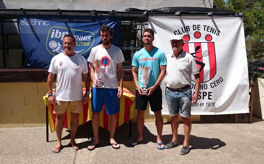 Alejandro Moro inscribe su nombre como ganador del Torneo de Tenis Ciudad de Caspe