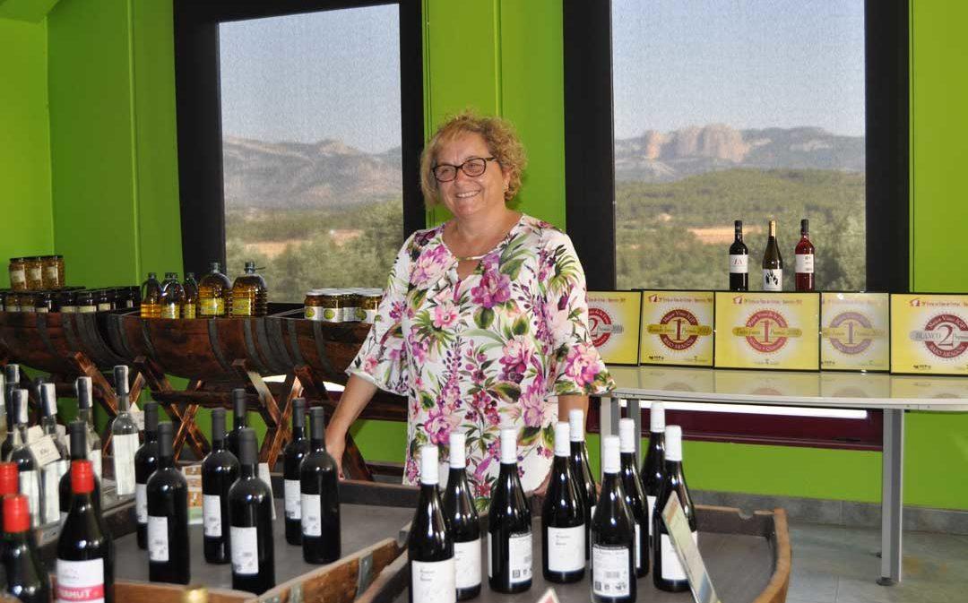 Teresa Crivillé: «Somos una familia que ama el medio rural y el mundo del vino»