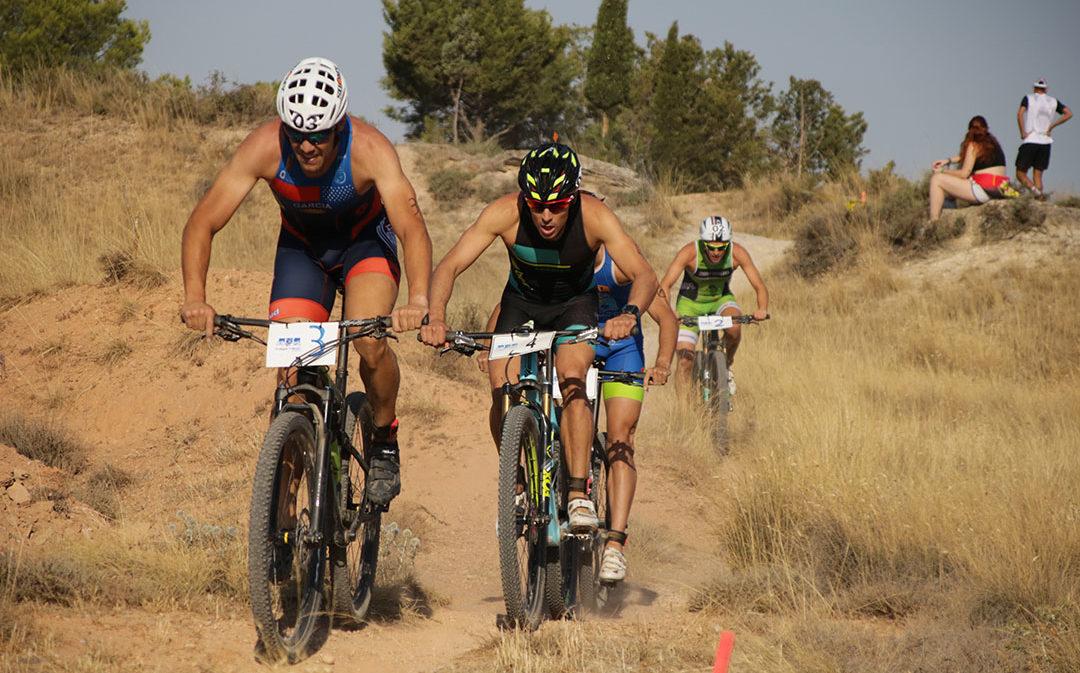 Aitor Abadías y Ester Ruiz logran la victoria en el Triatlón Cross de Alcañiz