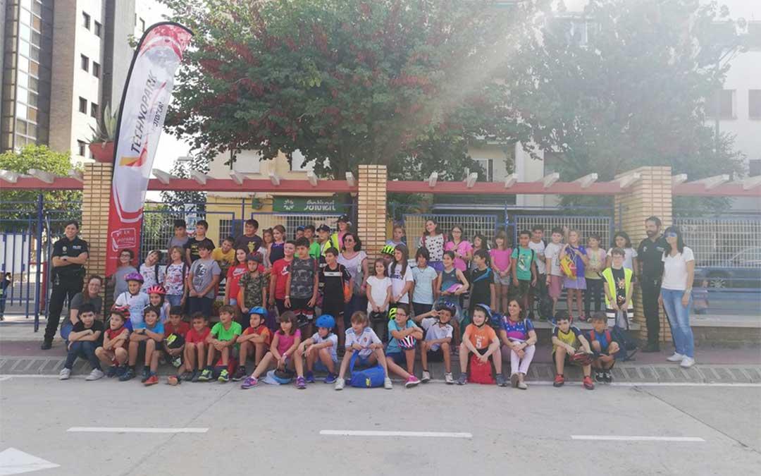 Los alumnos del CEIP Juan Sobrarias de Alcañiz participan en las jornadas de Educación Vial organizadas por Technopark Motorland./ Technopark.