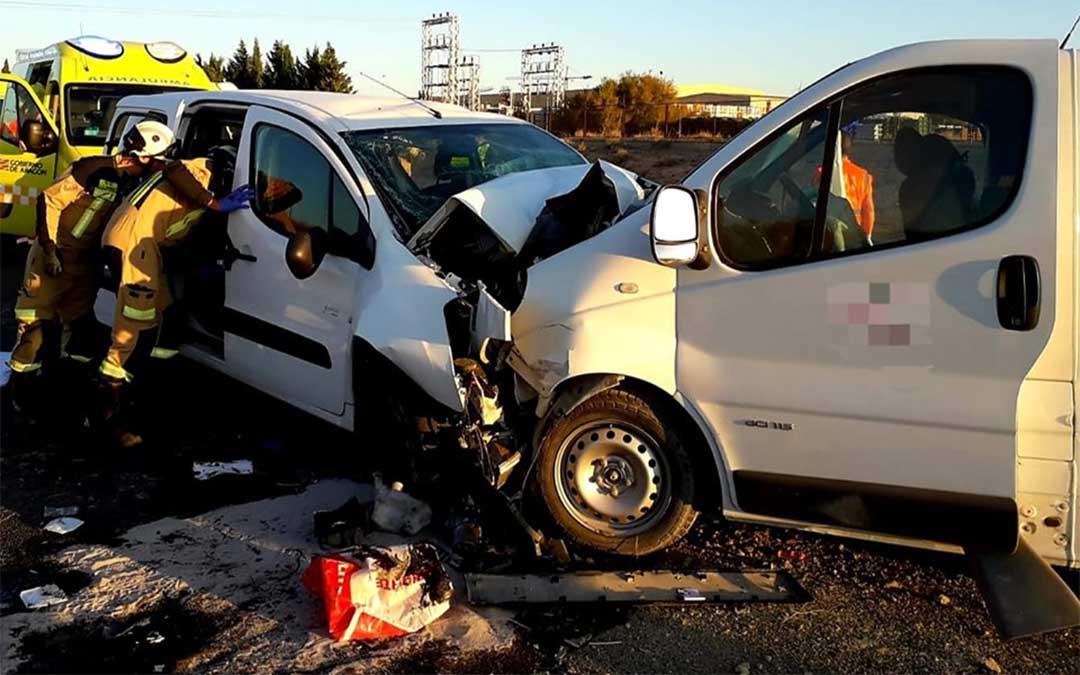 Imagen de archivo. Accidente de tráfico en la N-232 dentro del término municipal de Fuentes de Ebro./ DPZ.