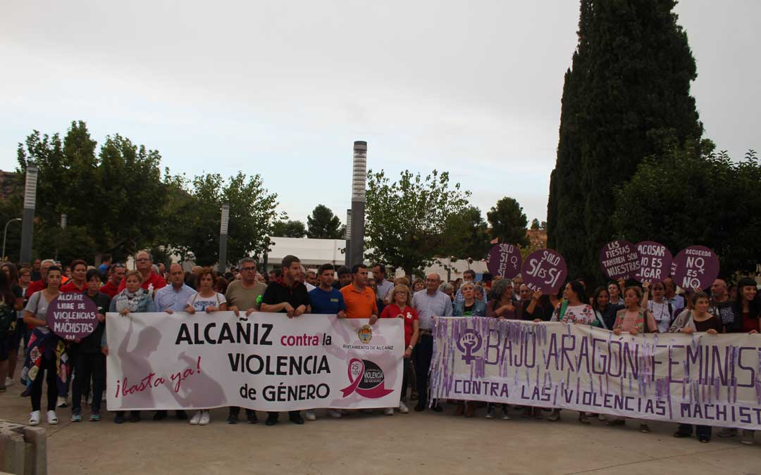 Concentración en Alcañiz, contra las violencias machistas.