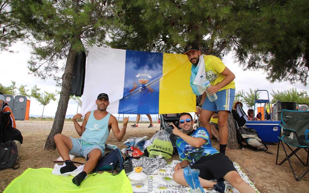 Daniel y compañía, desde Tenerife, a la pelouse 6. / A. Monserrate