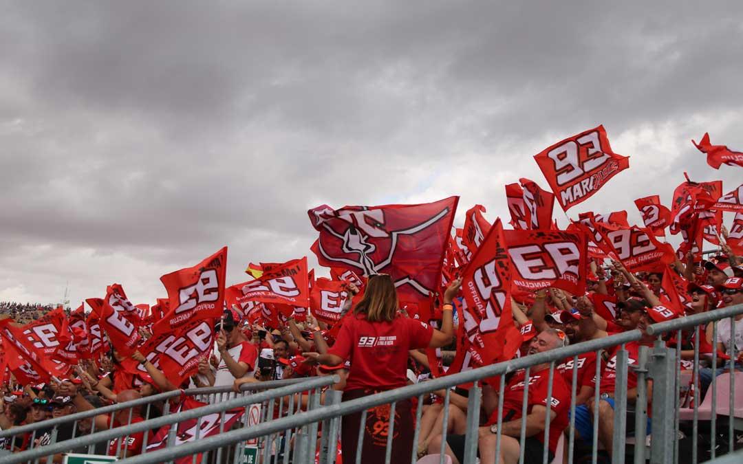 Los fans de Márquez llenaron la grada 3. / A. Monserrate