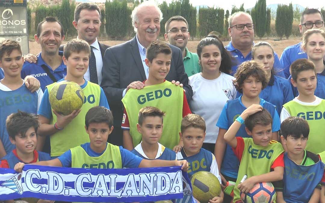 Del Bosque con la cantera calandina / A. Gracia