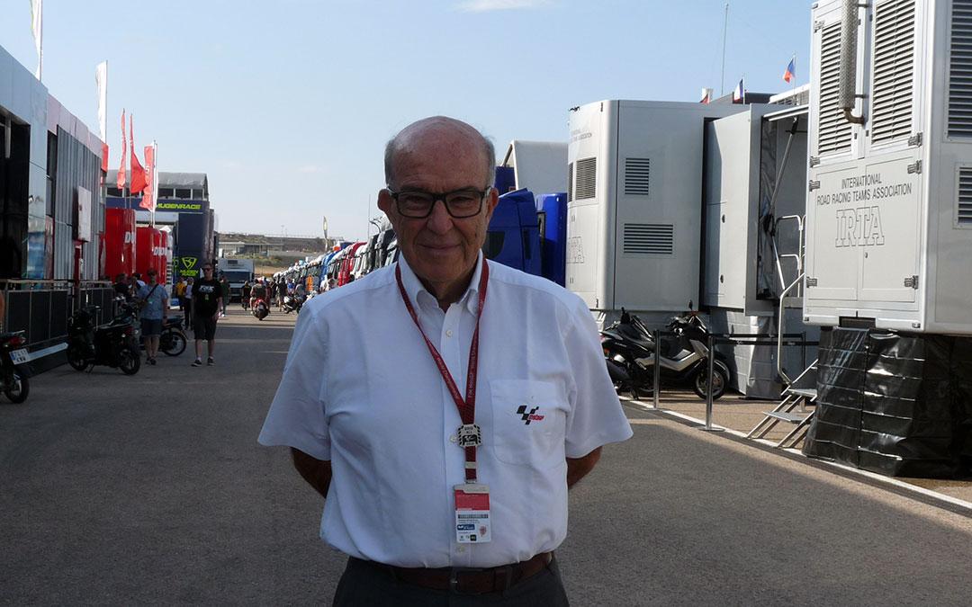 El CEO de Dorna, Carmelo Ezpeleta, en Motorland Aragón en una foto de archivo del GP de Aragón de 2019./ Alicia Martín