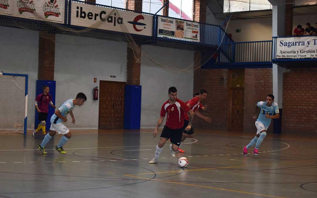 Caspolinos y alcañizanos en pleno juego en la 3º jornada de liga.