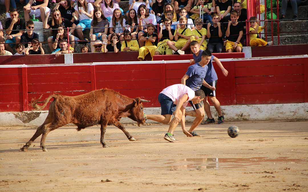 futbol-vaca-alcaniz-caida