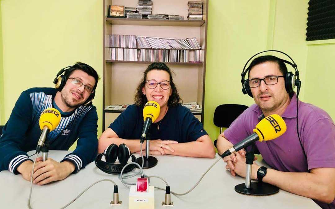 Invitados a 'Hoy es tu día' en Radio Caspe.