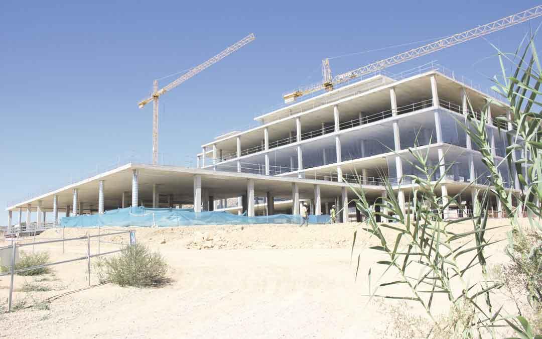 Estado de las obras del nuevo Hospital de Alcañiz en el mes de septiembre. / L. Castel