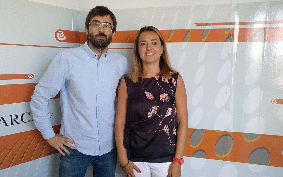Kiko Llaneras e Inés Calderón, ponentes del Curso de Periodismo./ La Comarca