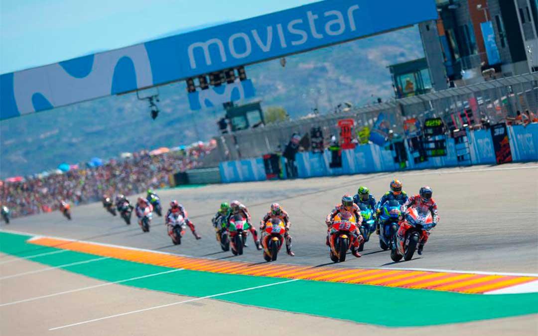 Salida de la carrera de MotoGP 2019, en Motorland./ Agency Sport Media.