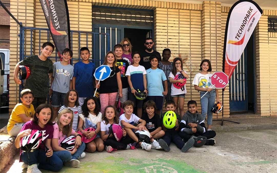 Los alumnos del Ceip Bilingüe Juan Lorenzo Palmireno de Alcañiz participan en las jornadas de Educación Vial organizadas por Technopark Motorland./ Technopark.