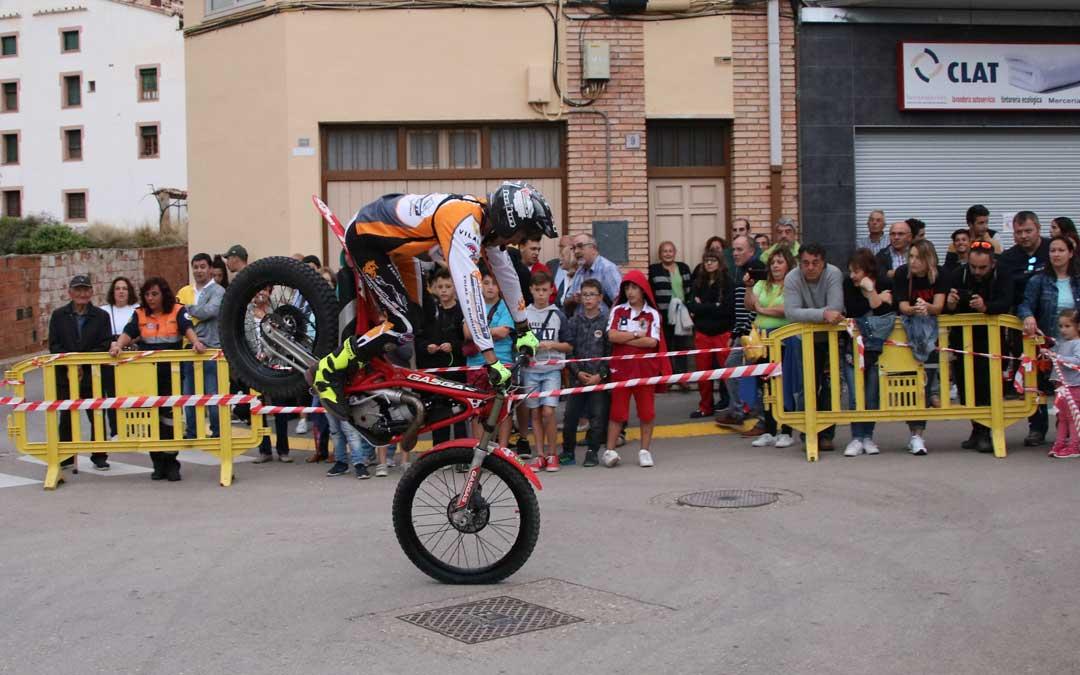 Jordi Pascuet realizando una pirueta de Trial. // Esther Icart
