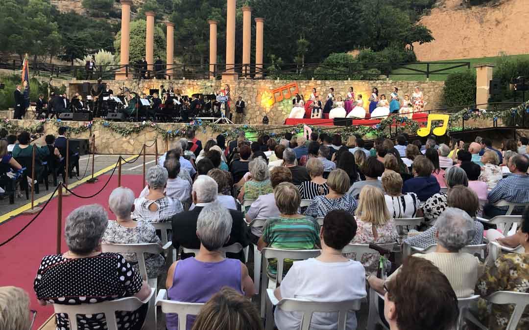 Pregón de fiestas de Alcorisa este sábado en la la plaza alcalde José Ángel Azuara / L. Castel