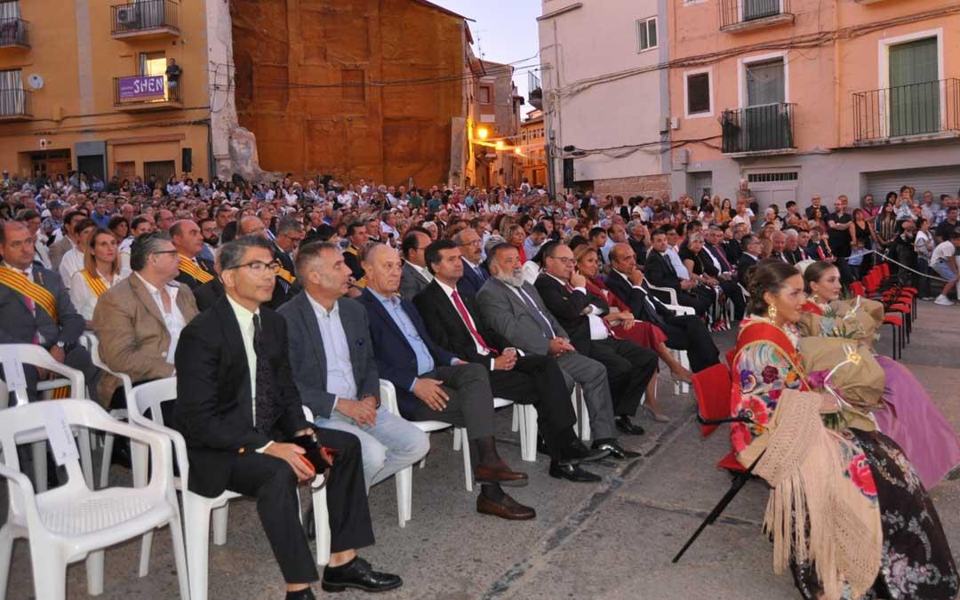 Además de numeroso público, el acto contó con la presencia de numerosas autoridades
