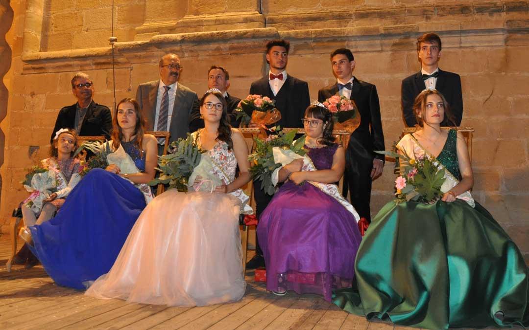 Las reinas estuvieron acompañadas por los quintos y autoridades