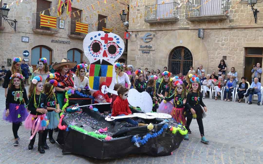 Divertido y original concurso de disfraces en Cretas