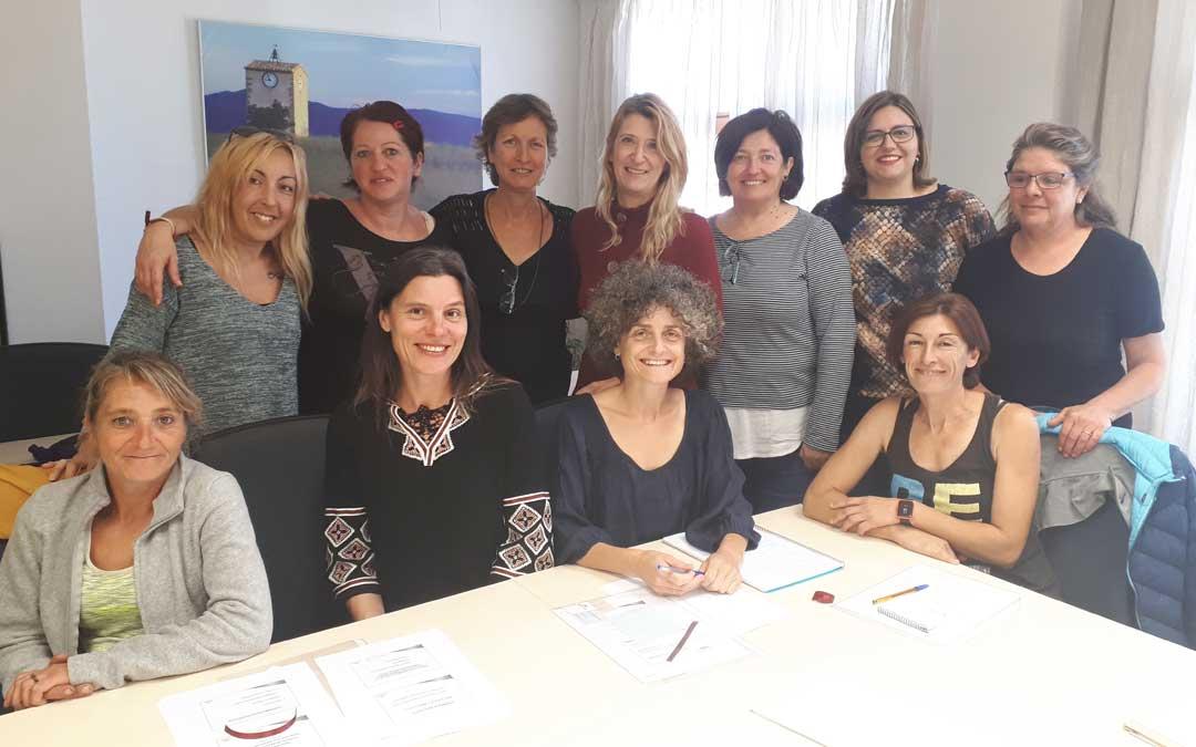 Las participantes y directora del taller que han formado parte de la iniciativa