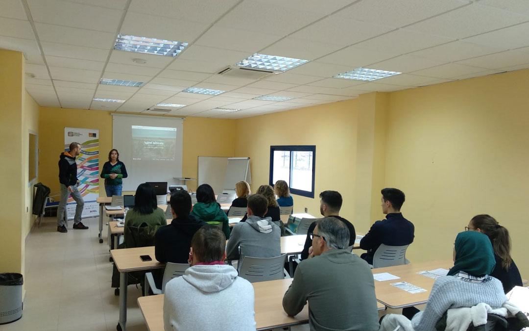 Momento de la conferencia en el Centro de Emprendedores de Andorra. / AEA