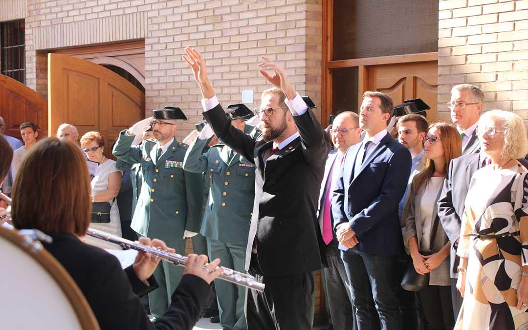 calanda-guardia-civil-medalla-la-calandria-himno-de-espana