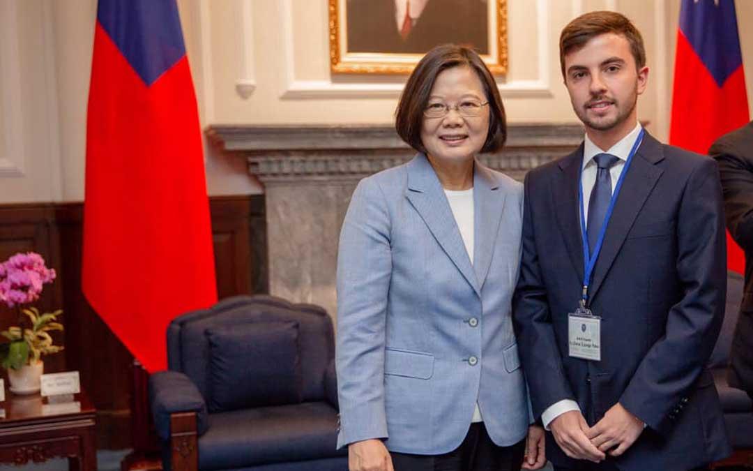El concejal Óscar Luengo fue recibido por Tsai Ing-Wen, presidenta de la República de China (Taiwán) / Ayto. Calanda