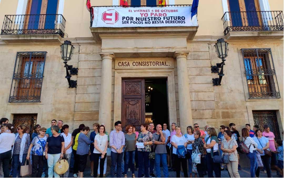 El Ayuntamiento de Caspe ha convocado el paro ciudadano.