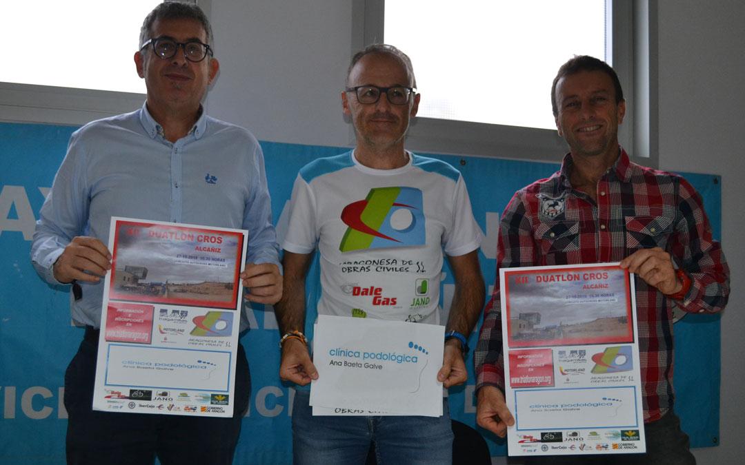 Kiko Lahoz, concejal de deportes junto a Chemi Sanz director de la prueba y Carlos Herráez director del SMD de Alcañiz