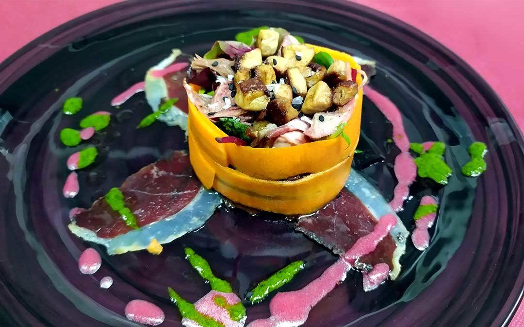 Ensalada de pato (foie, jamón y confit)