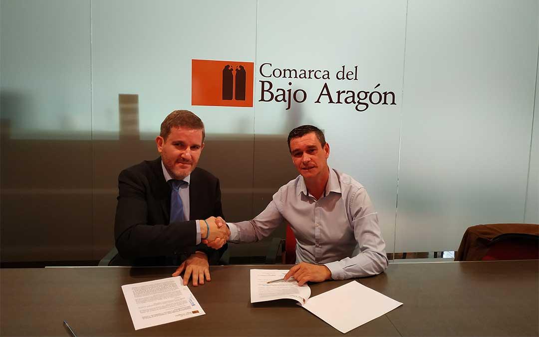 El alcalde de AIcañiz, Ignacio Urquizu, y el presidente Comarcal, Luis Peralta Guillen./ Comarca del Bajo Aragón