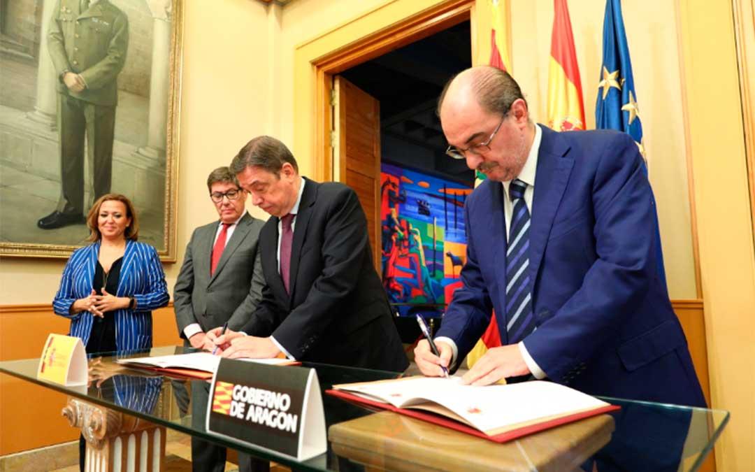 Lambán y Planas firman el Protocolo de Inversiones en Teruel en 2019./ DGA
