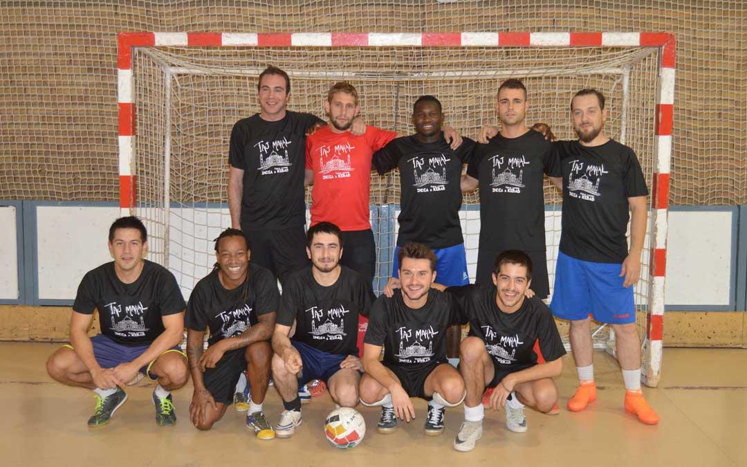 El equipo Kebad Taj Mahal que participa en la liga local de fútbol sala de Alcañiz