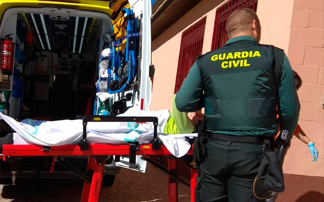 La senderista fue trasladada en ambulancia al Hospital Comarcal de Alcañiz.
