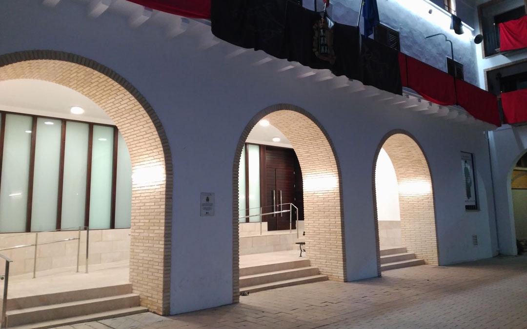 Fachada del ayuntamiento de Híjar.