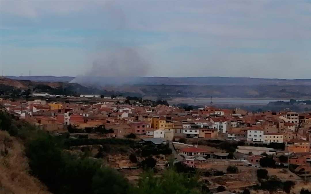 Incendio en la escombrera de Caspe.
