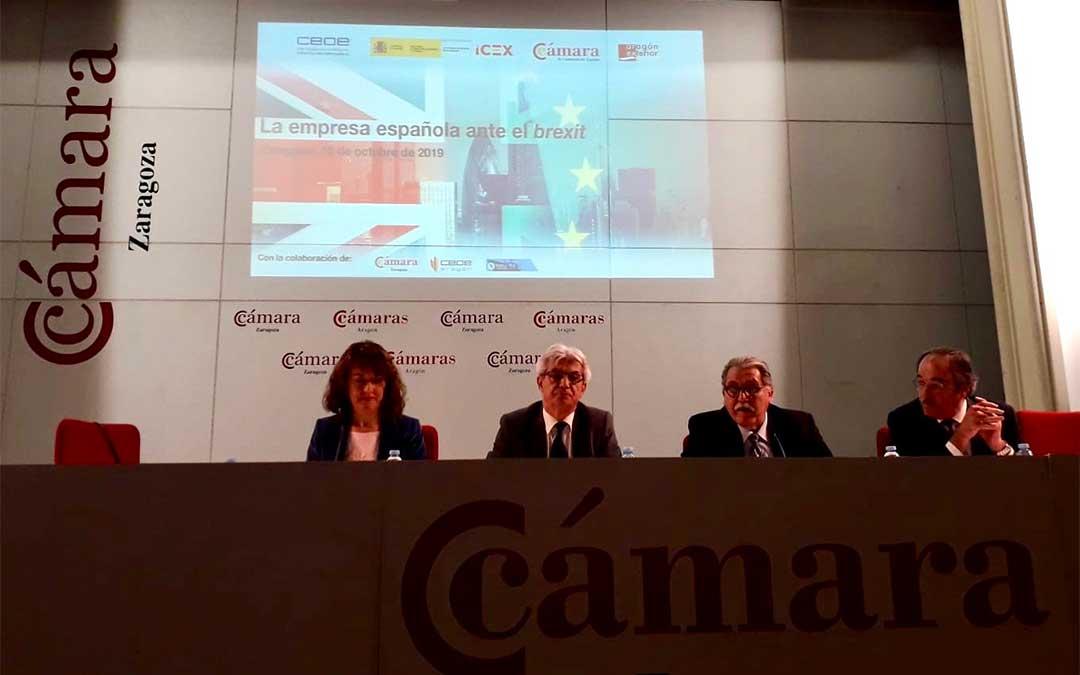 La cita ha tenido lugar en la sede de la Cámara de Comercio, Industria y Servicios de Zaragoza./ Delegación del Gobierno de España en Aragón