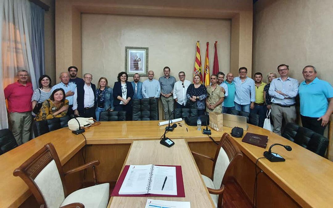 Asistentes a la reunión de la Ruta mantenida en Alcañiz este viernes./ Facebook Isabel Arnas
