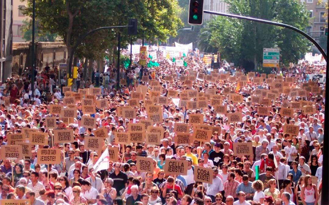 Manifestación en Zaragoza en el año 2004./ Teruel Existe