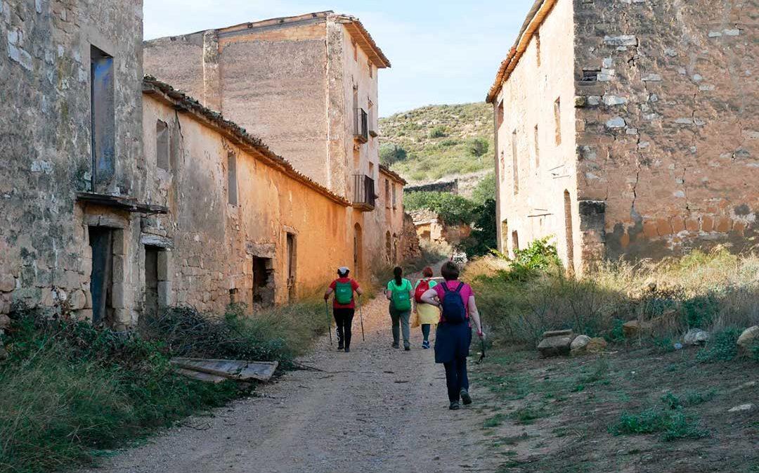 La marcha comarcal reúne a 300 senderistas en Fabara