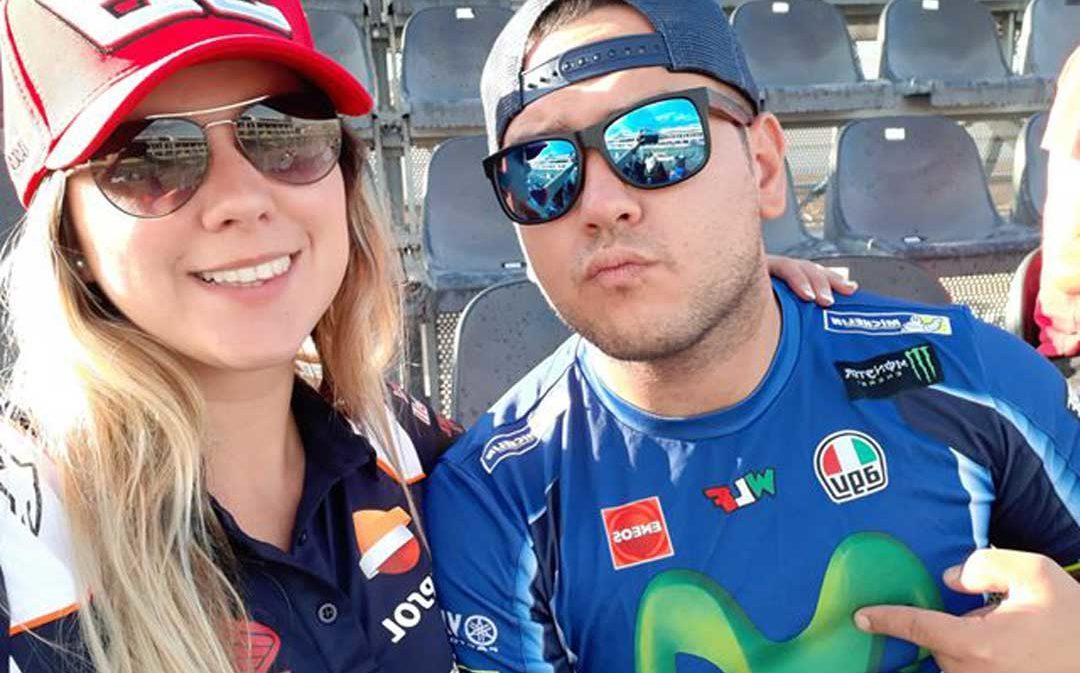 Comienzan a salir en MotoGP y un año después... ¡le pide matrimonio en Motorland!